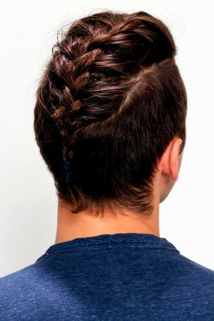Undercut Braids For Men #mediumhairstyles #mediumhair #mediumhairman #mensmediumhair