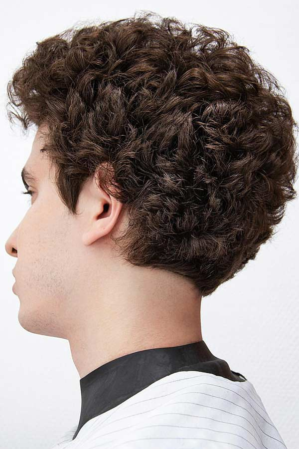 55 Sexiest Short Curly Hairstyles For Men Menshaircuts Com