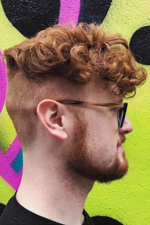 Curls With Undercut #shortcurlyhairstyles #hairstylesformen #shorthairmen #curlyhairbangs