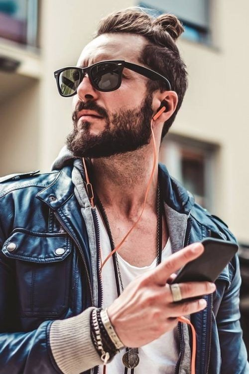Top Knot Men With A Beard #topknotmen #topknothairstyle