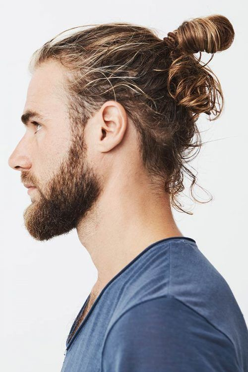 Messy Man Bun For Men With Curly Hair #manbun #menslonghairstyles #longhairstylesformen #menwithlonghair #longhairmen