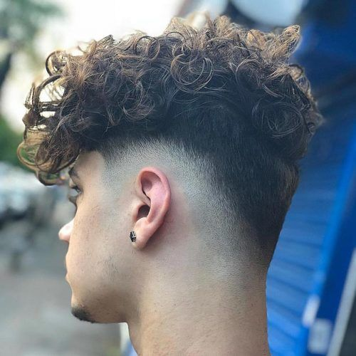 Curly Top Undercut #undercut #disconnectedundercut #mensundercut