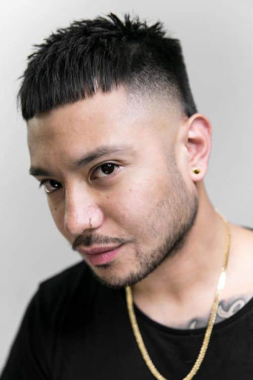 Short Layered Haircut For Men #layeredhaircutsformen #menshaircuts #shormensthaircuts #texturedhair #fadehaircuts