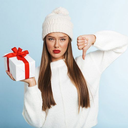 What You Don't Need To Give A Woman For Christmas So As Not To Look Like An Idiot #christmasgifts #giftsforher #christmaspresent
