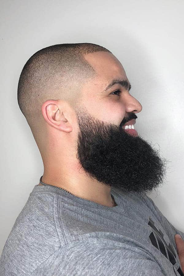 Bald Fade And Beard Shape #fullbeard #beardstyles #beardtypes #facialhair #baldfade #skinfade #fadehaircut