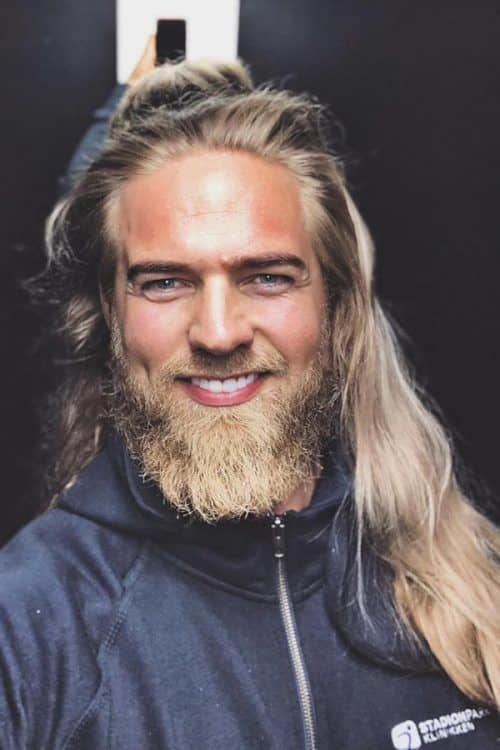 Long Hair And Beard #fullbeard #beardstyles #beardtypes #facialhair #longhairmen