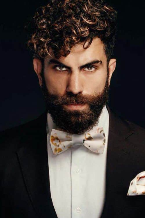 Short And Curly #wedding #weddinghairstyles #curlyundercut #curlyhairmen