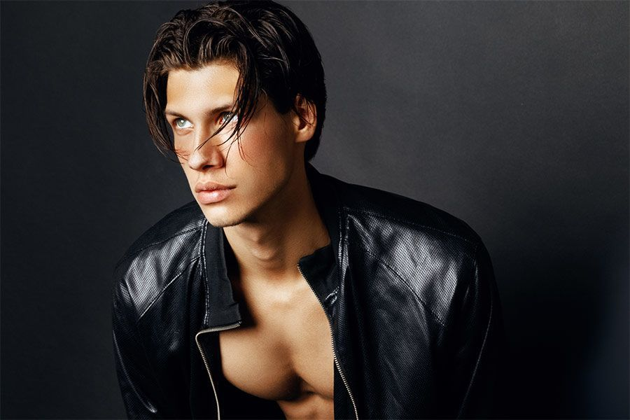 22 Hottest Hairstyles For Men With Straight Hair
