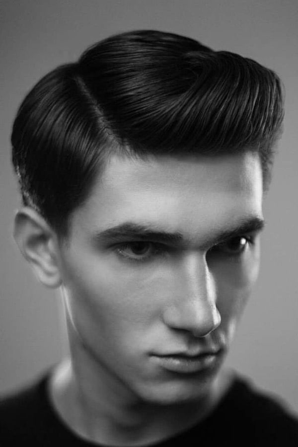 Classic Side Swept Hairstyle #50shairstylesmen #menshaircuts