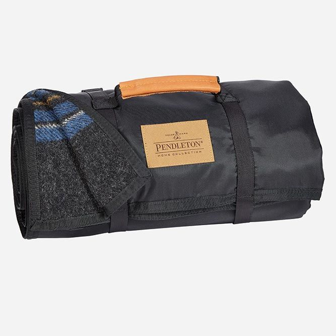 Pendleton Roll Up Blanket #giftsformen #mensgifts