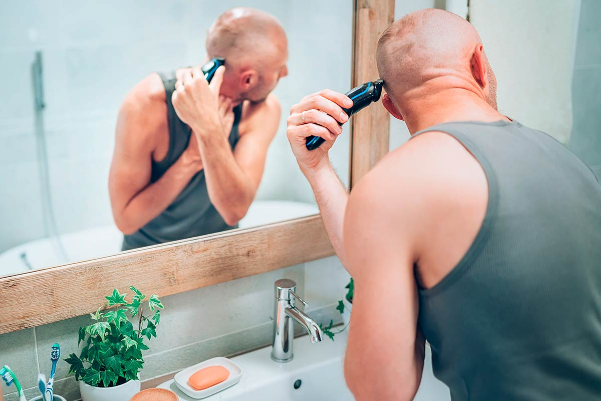 How To Shave Your Head Efficiently And Harmlessly